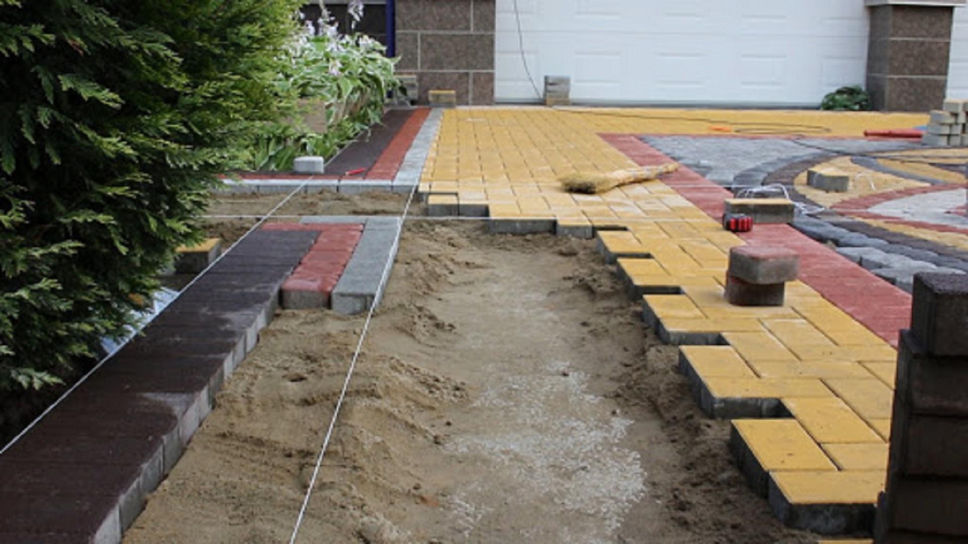 Укладку тротуарной плитки под ключ в Раменском